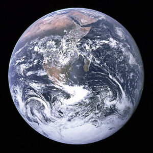 Earth_apollo_17_blue_marble
