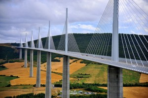 Millau_bridge_arcticpuppy